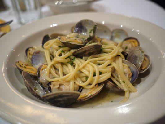 Linguine tossed in a white clam sauce.