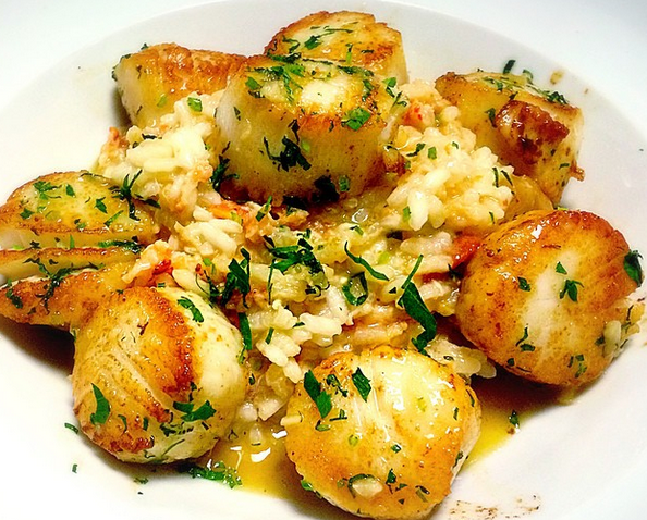 Sauteed scallops with rice pilaf