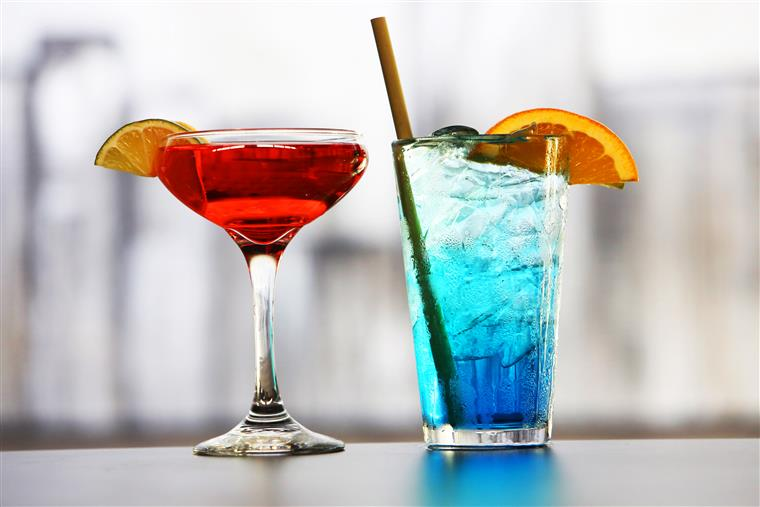 cocktails, drinks, happy hour