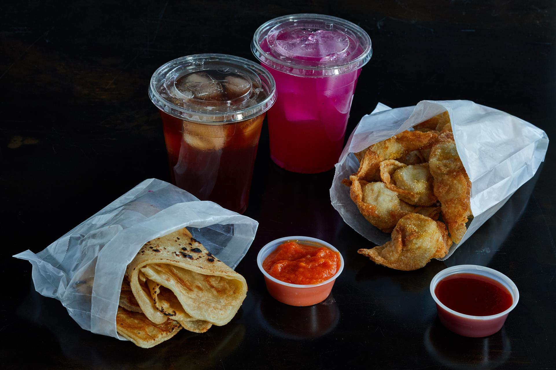 NANA'S BREAD with Red curry carrot dip, CRAB POCKETS with sweet & sticky sauce, DRAGONFRUIT LEMONADE and ICED TEA