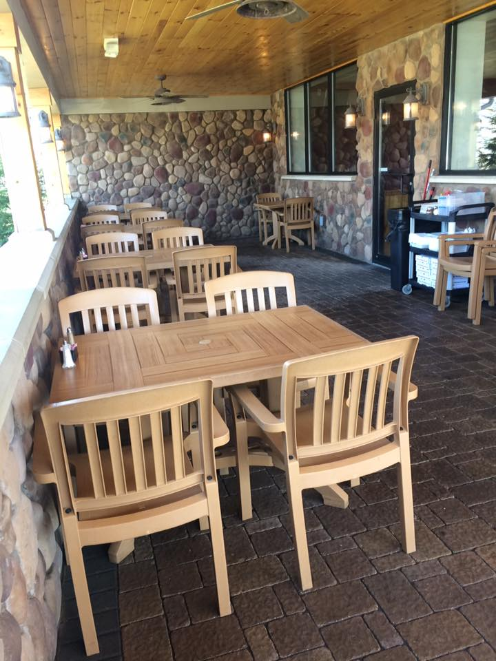 Outside seating area of Samosky's Homestyle Pizzeria