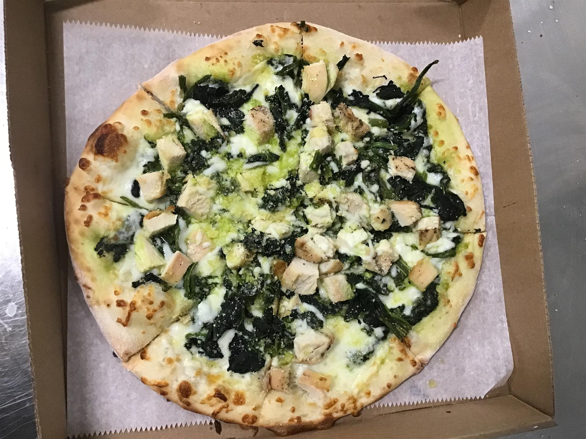 spinach and chicken pizza