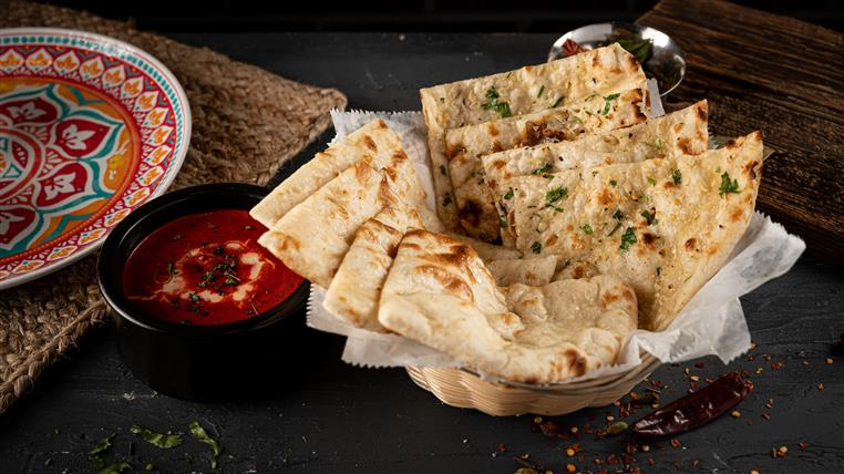 (2) Naan Basket with Sauce