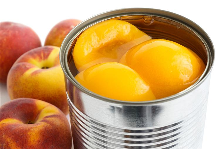 Canned peaches in juice