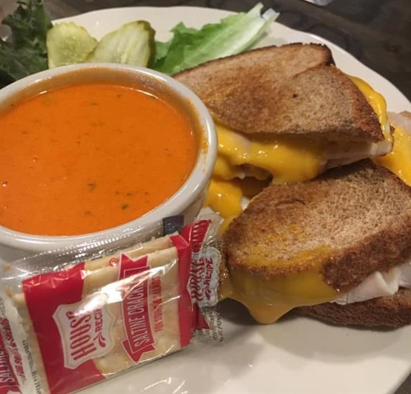 tomato soup with grilled cheese and crackers