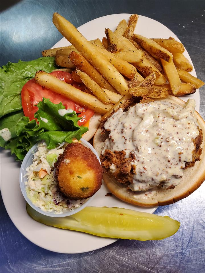LOUISIANA CRAB CAKE SANDWICH