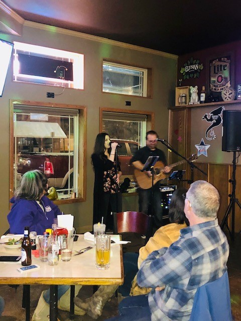 band playing at doghouse tavern