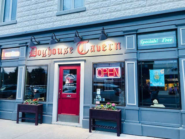 outside view of doghouse tavern