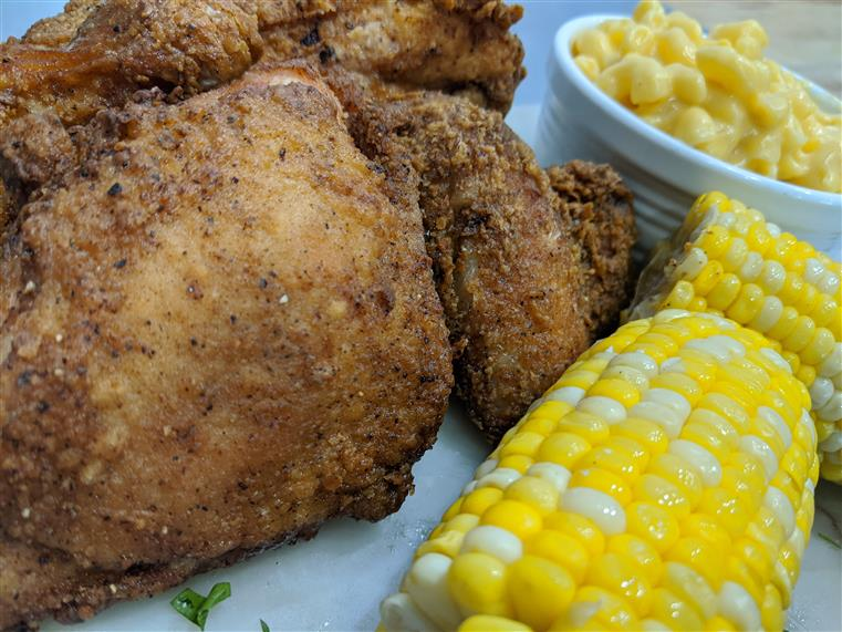 fried chicken, corn on the cob, mac and cheese