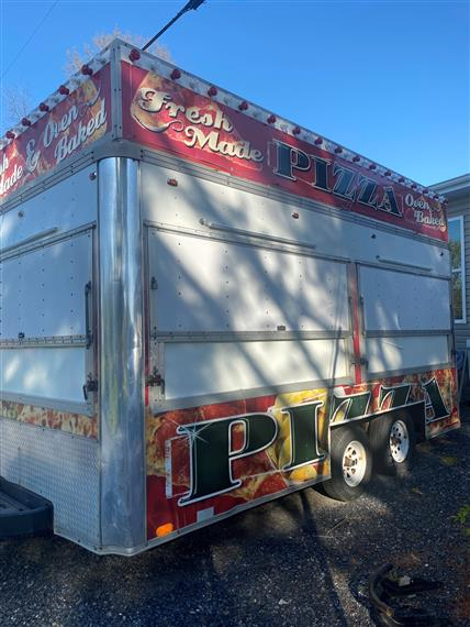 fresh made pizza trailer