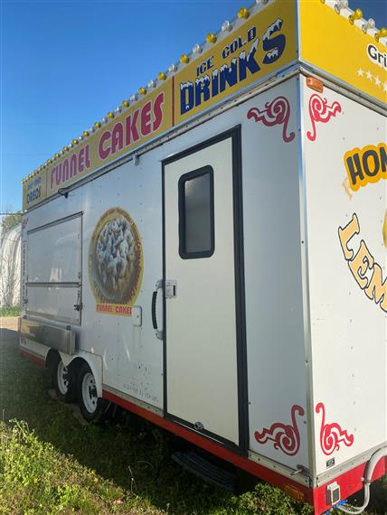 funnel cake trailer with door
