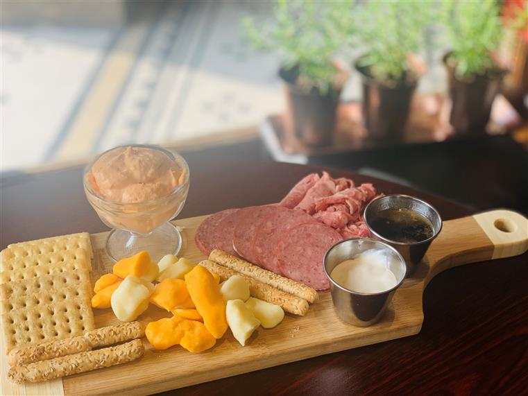 3 Mile Cheese | Fresh Cheese Curds | Sausage | Shaved Prime Rib | Horseradish Sauce | Crackers