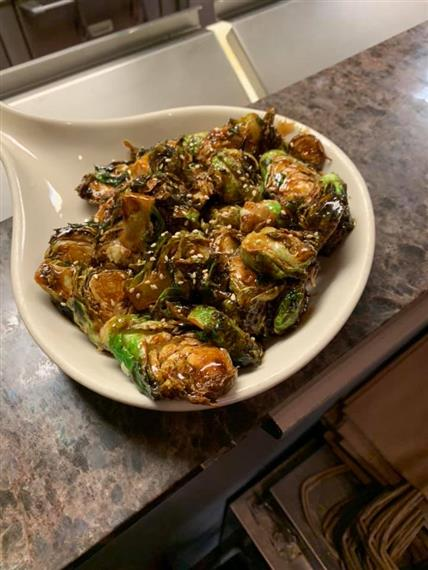 brussel sprout with sesame seeds