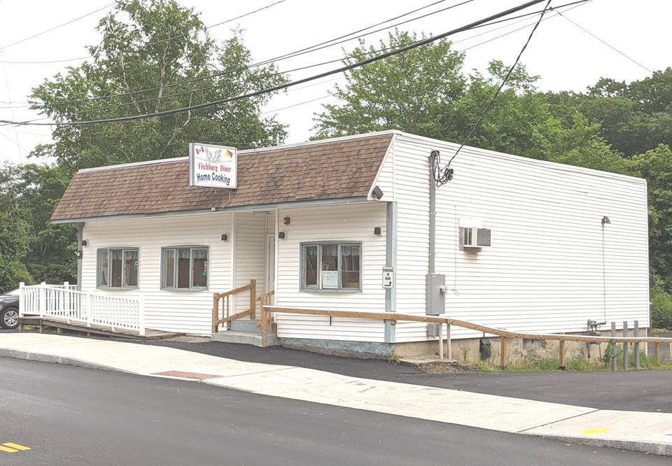 exterior of fitchburg diner