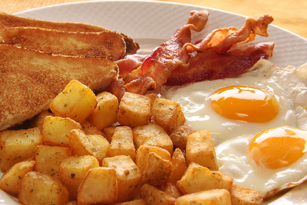 eggs, bacon, homefries and toast