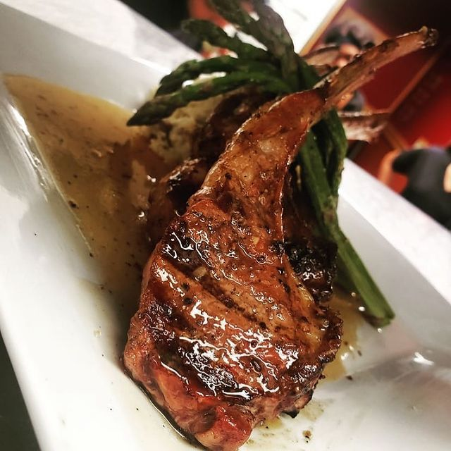 lamb chop with asparagus