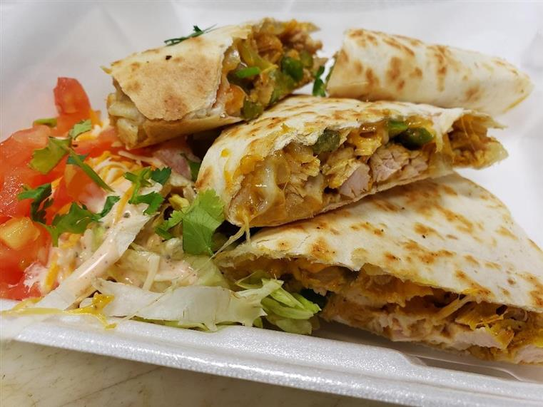 chicken quesadillas in a to go container