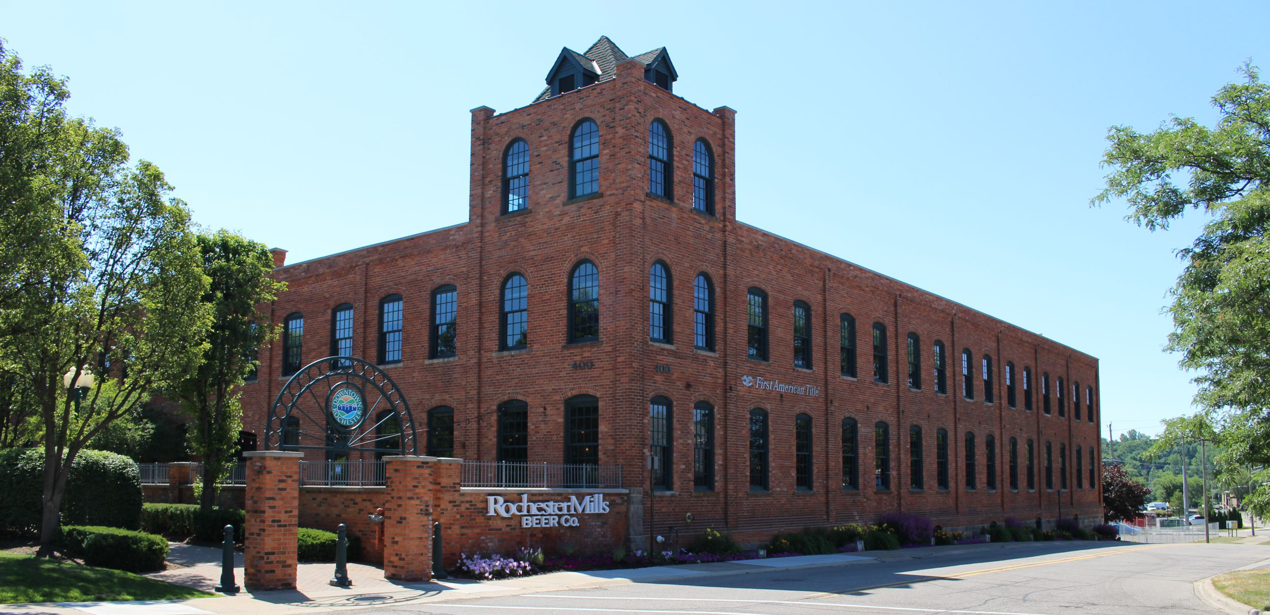 Outside of Rochester Mills Brewing Company