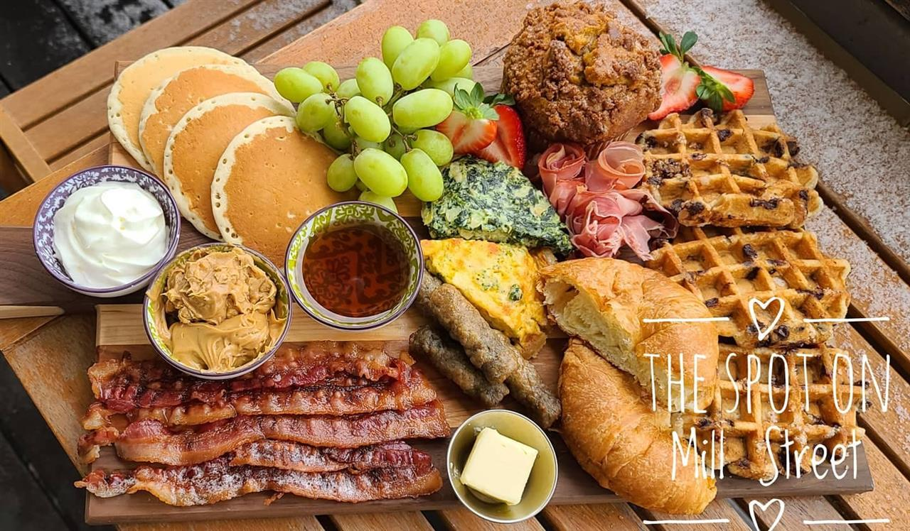 Sunday Only Family Platter Comes with 4 Drinks