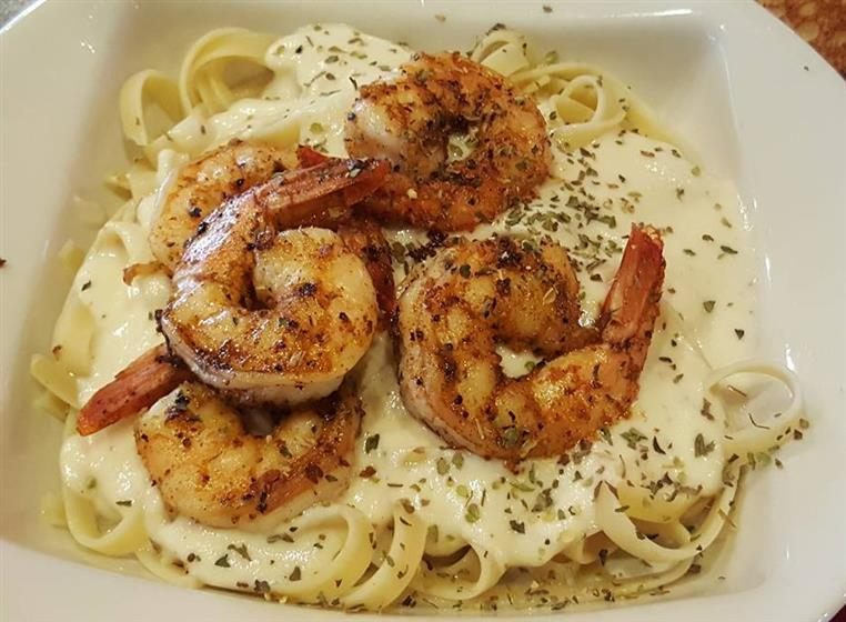 fettuccine alfredo with grilled shrimp