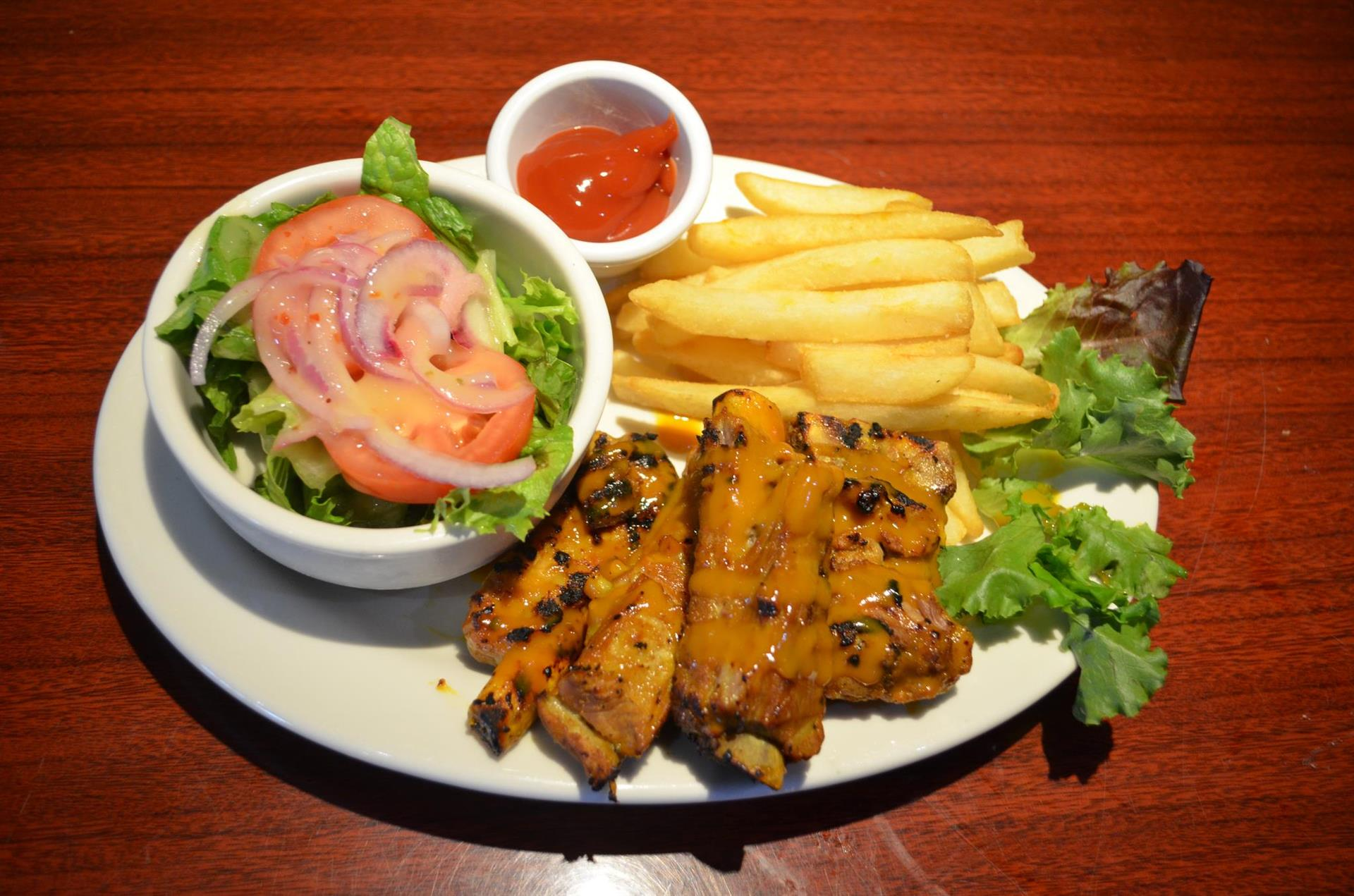 chicken and yucca fries