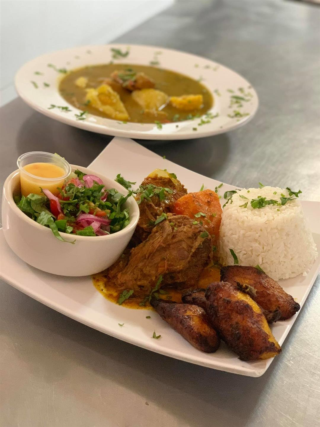 ROPA VIEJA PLATTER: Shredded beef with rice and fried plantains