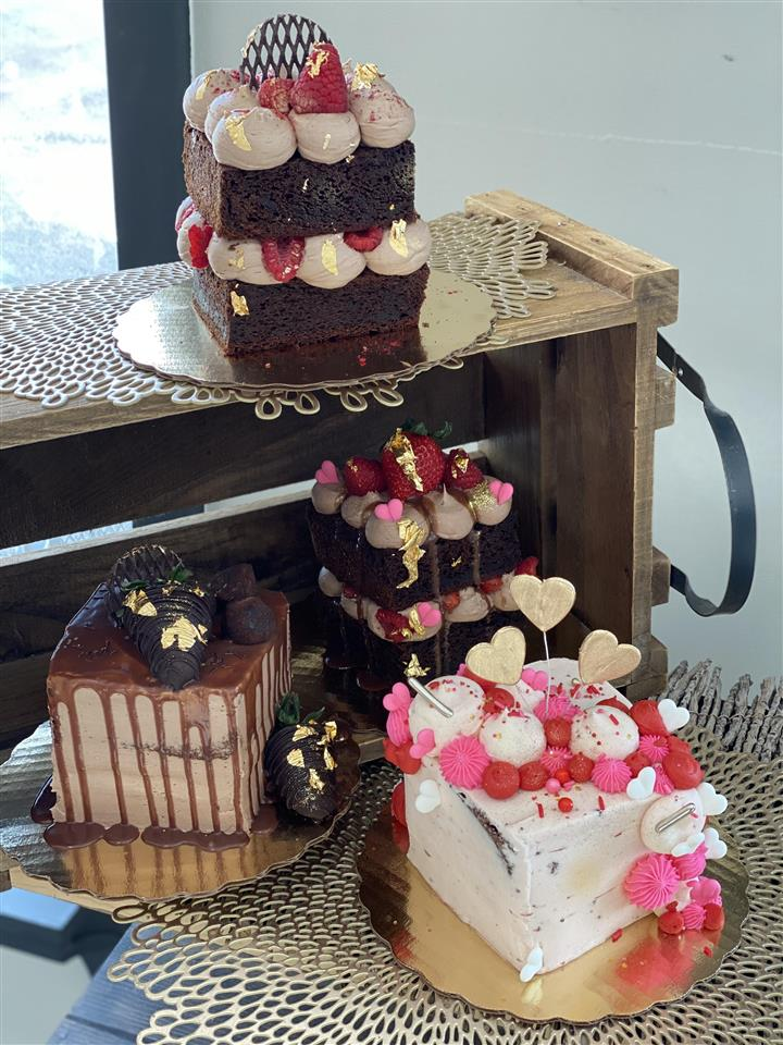 Cakes for Two