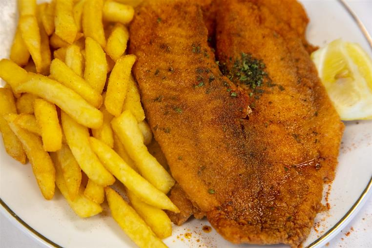 fried fish and french fries platter