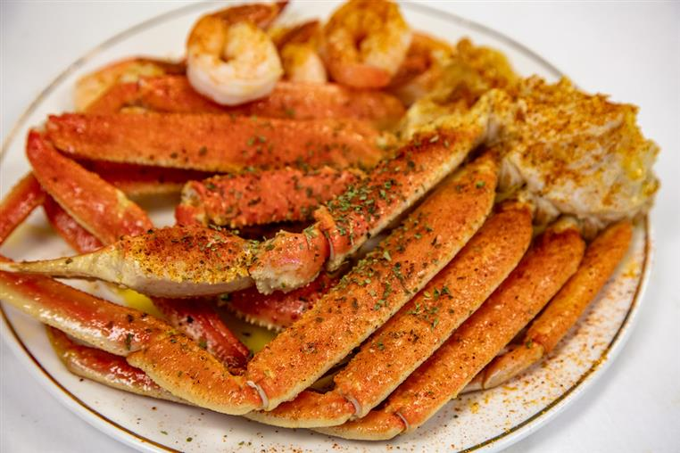 snow crab leggs and shrimp