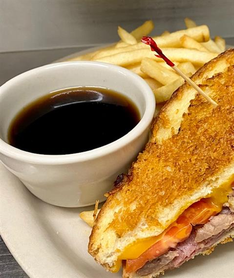 monte cristo sandwich with dipping sauce