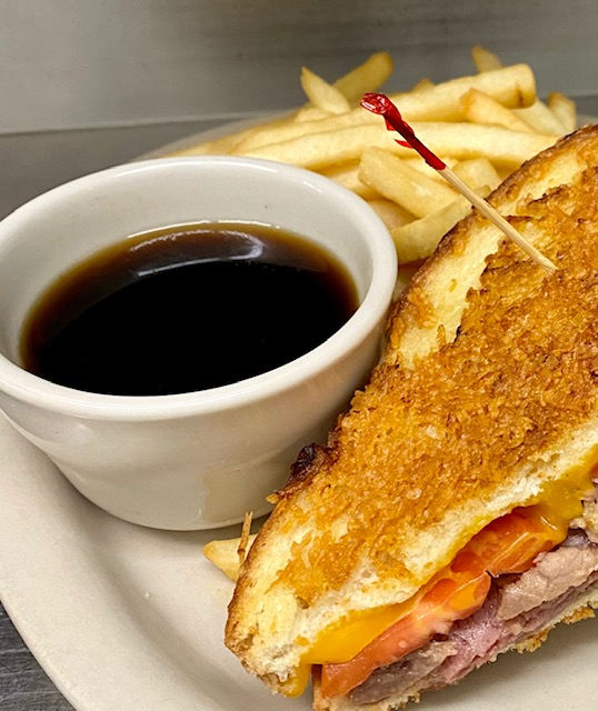 monte cristo served with dipping sauce