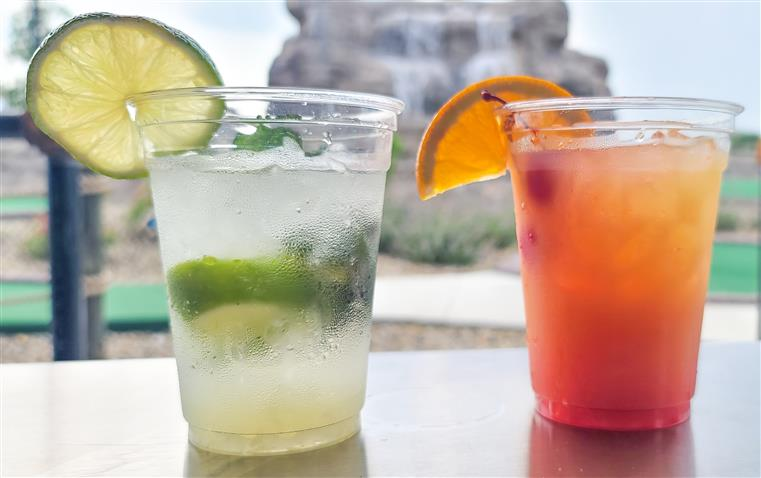 mojito and tequila sunrise cocktails