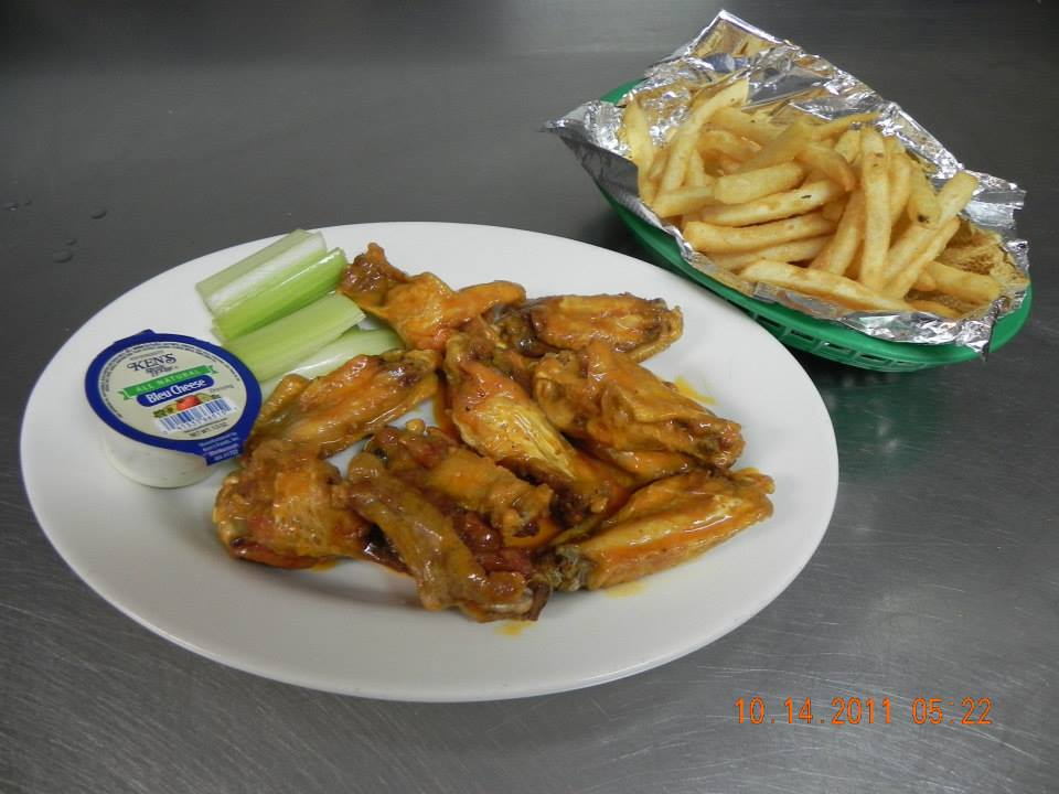bufalo wings and french fries