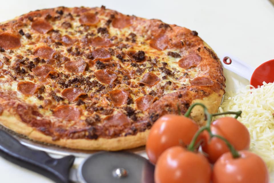 sausage and pepperoni pizza pie