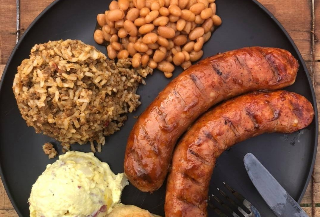 BBQ sausage with mashed potatoes and beans