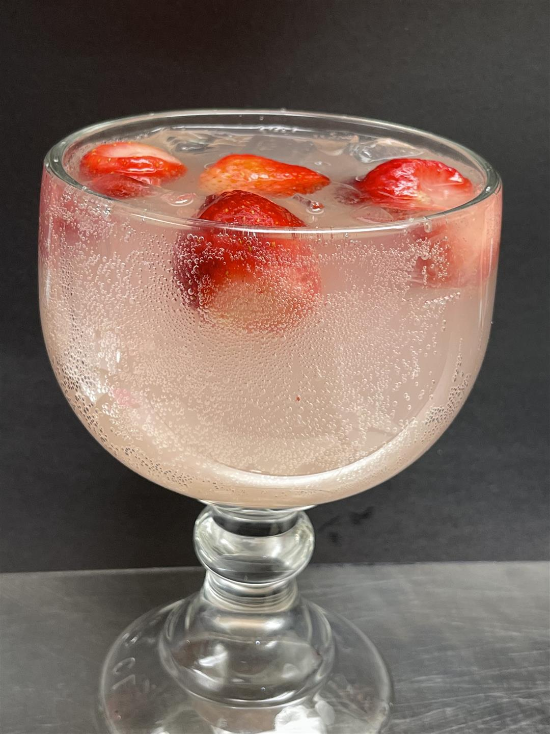 cocktail with strawberies