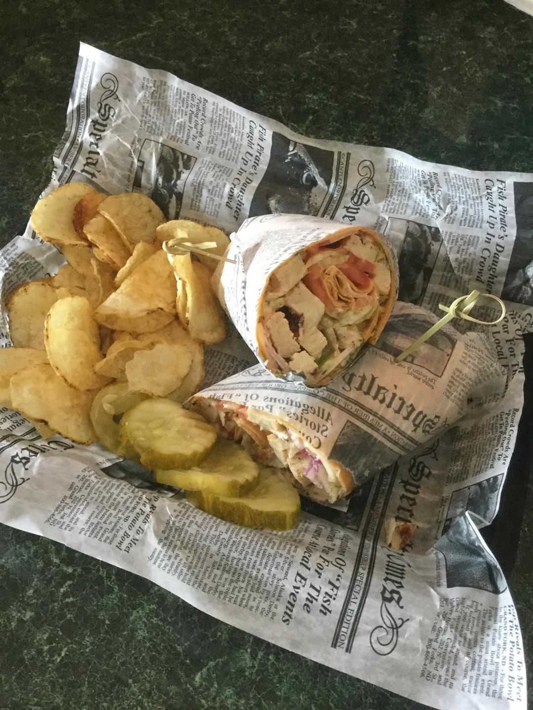 checken wrap with chips and pickles