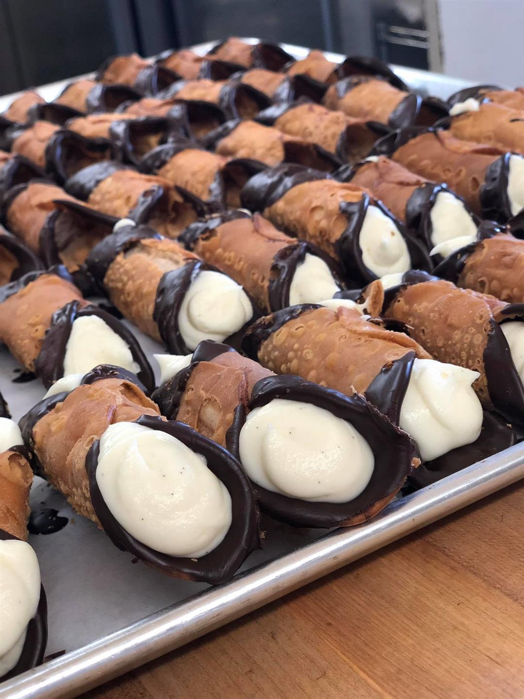 try of cannolis