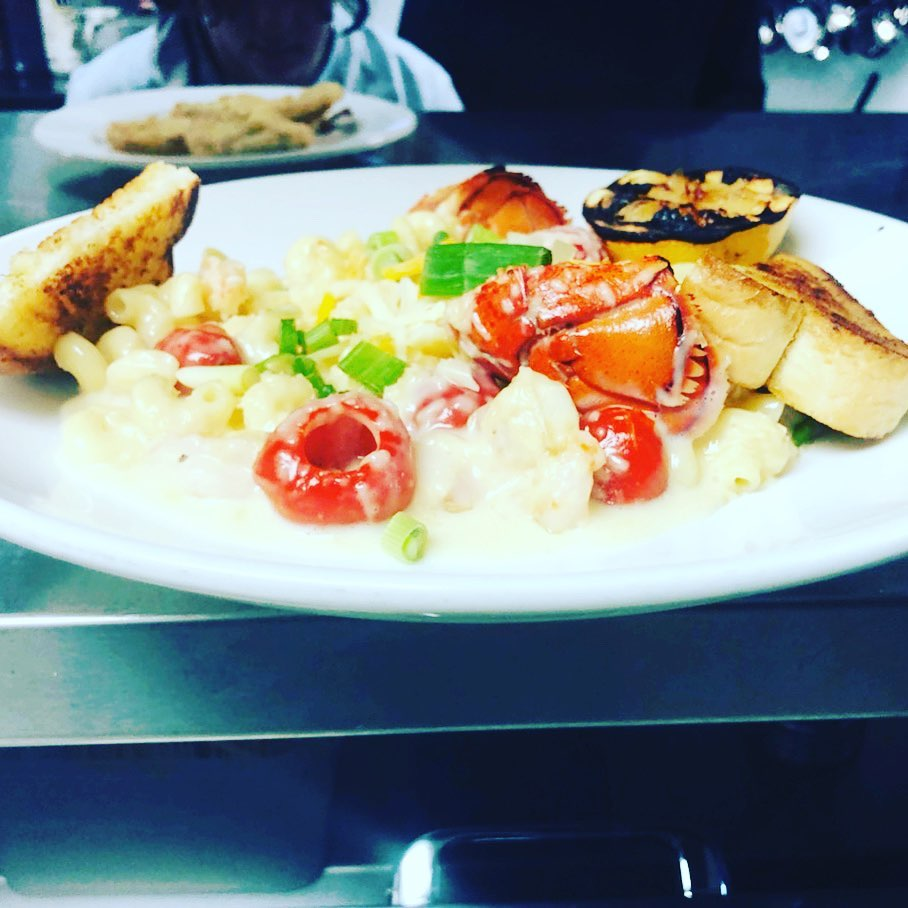 Key West Macaroni Bowl: Lobster, shrimp, peppadew's, scallion, cavatappi pasta, white cheddar sauce, Texas toast