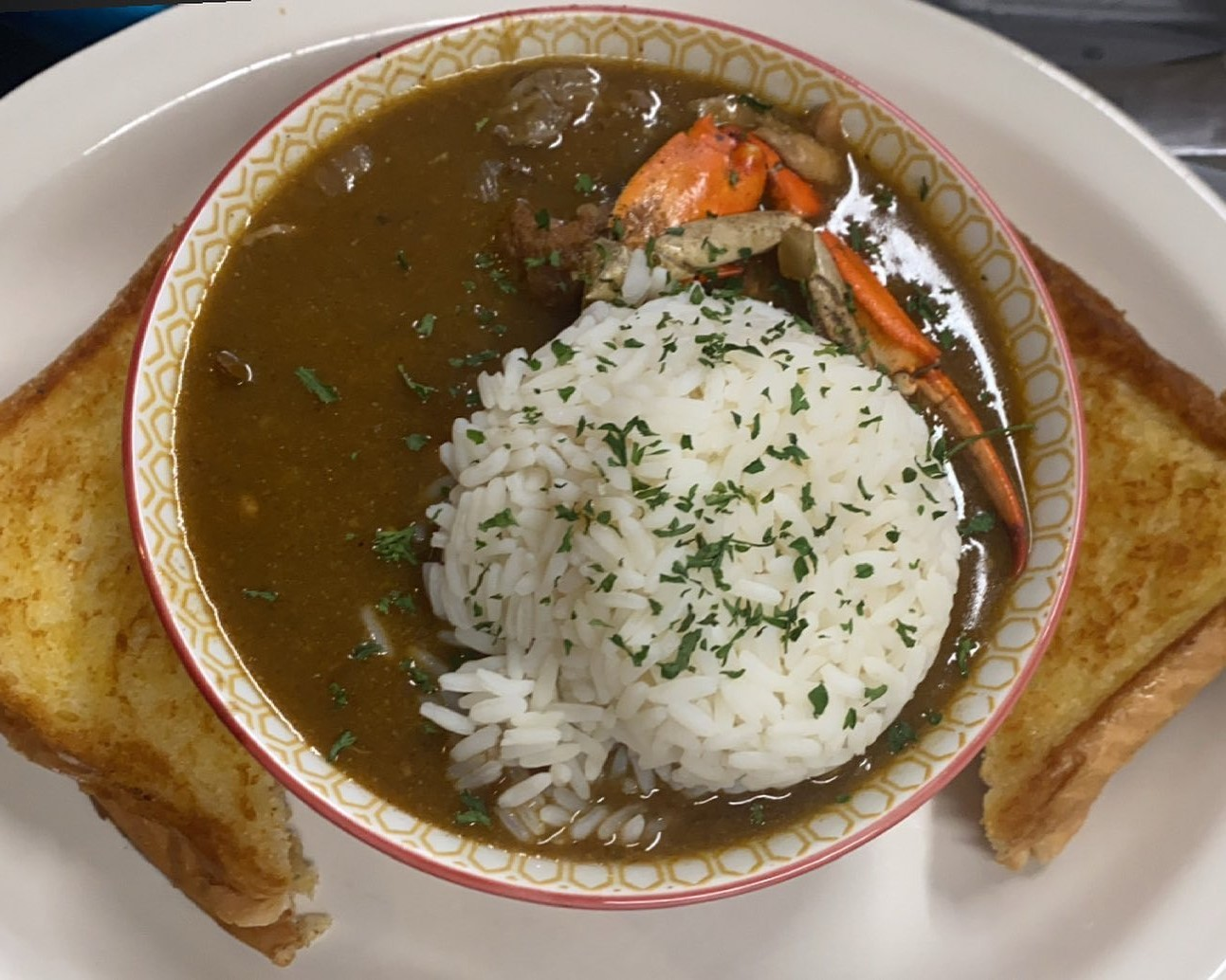 Filè Gumbo with rice and toast