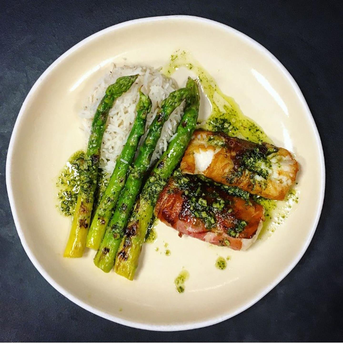 grilled chicken with a side of asparagus
