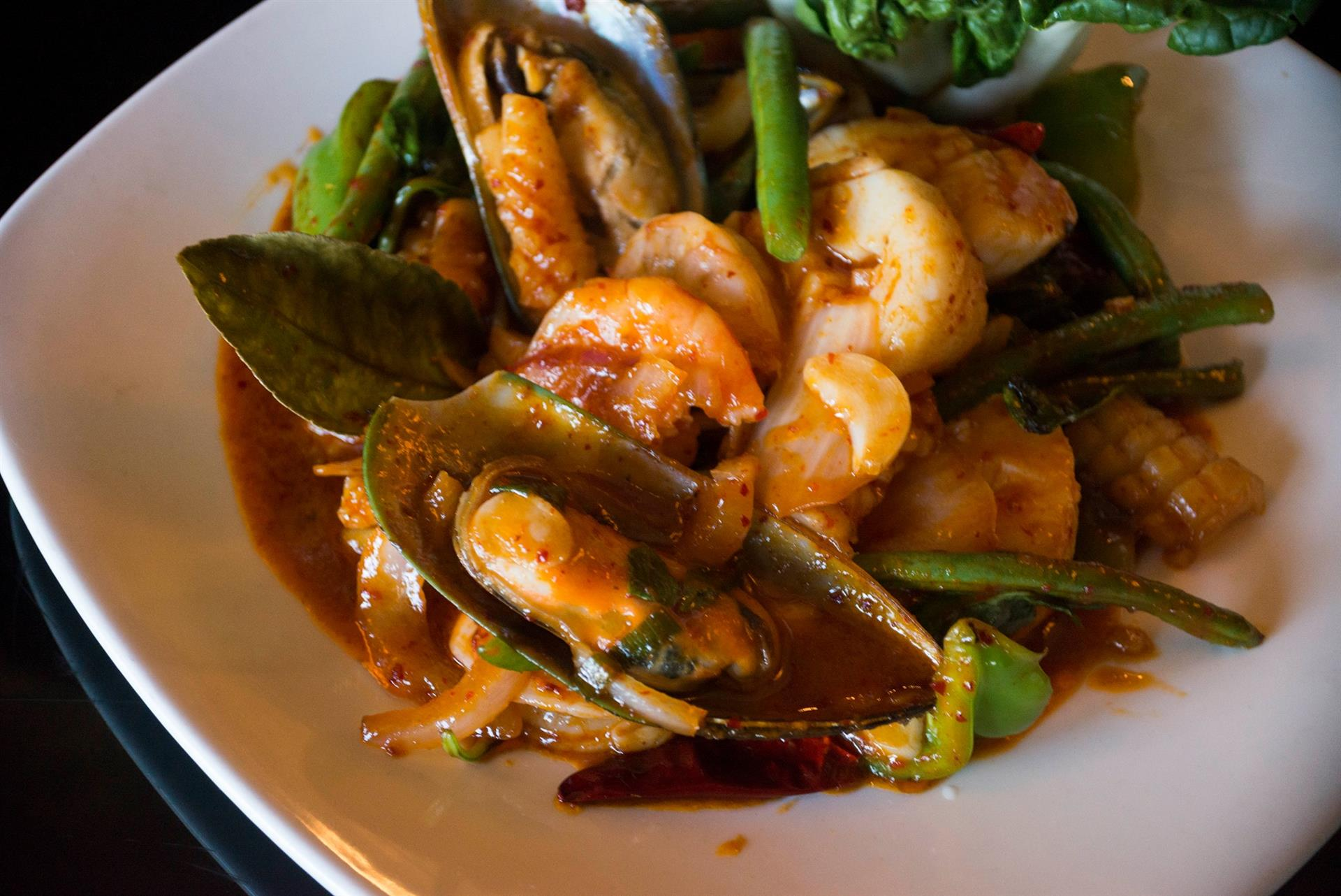 shrimp, mussles and vegetables with sauce