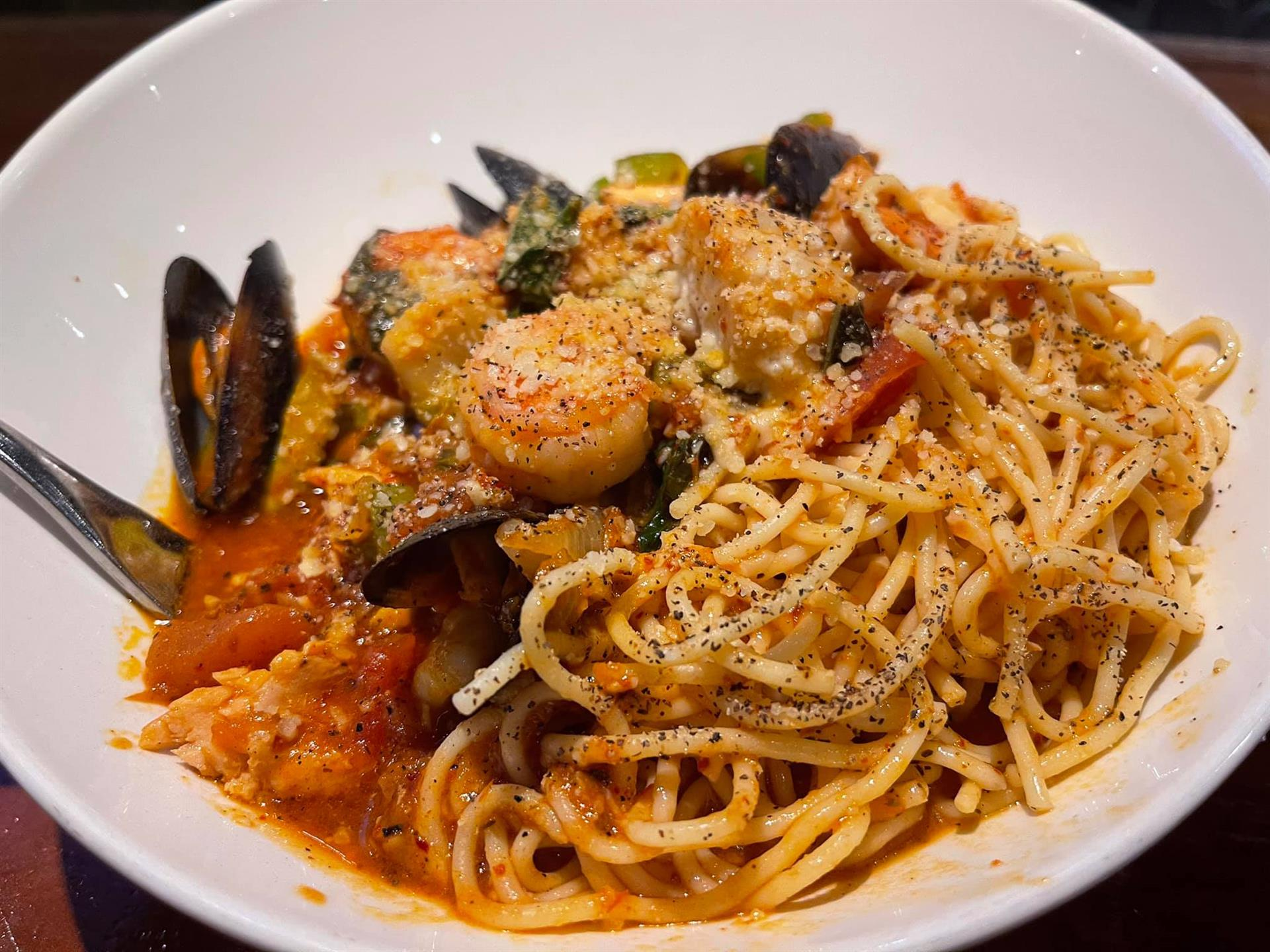 Plate of pasta with shrimp and mussles