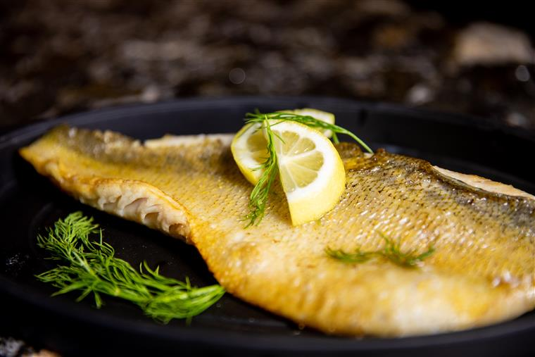 walleye with lemons and herbs