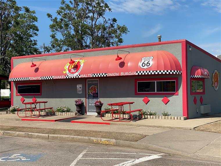 Outdoor view of Sids Diner