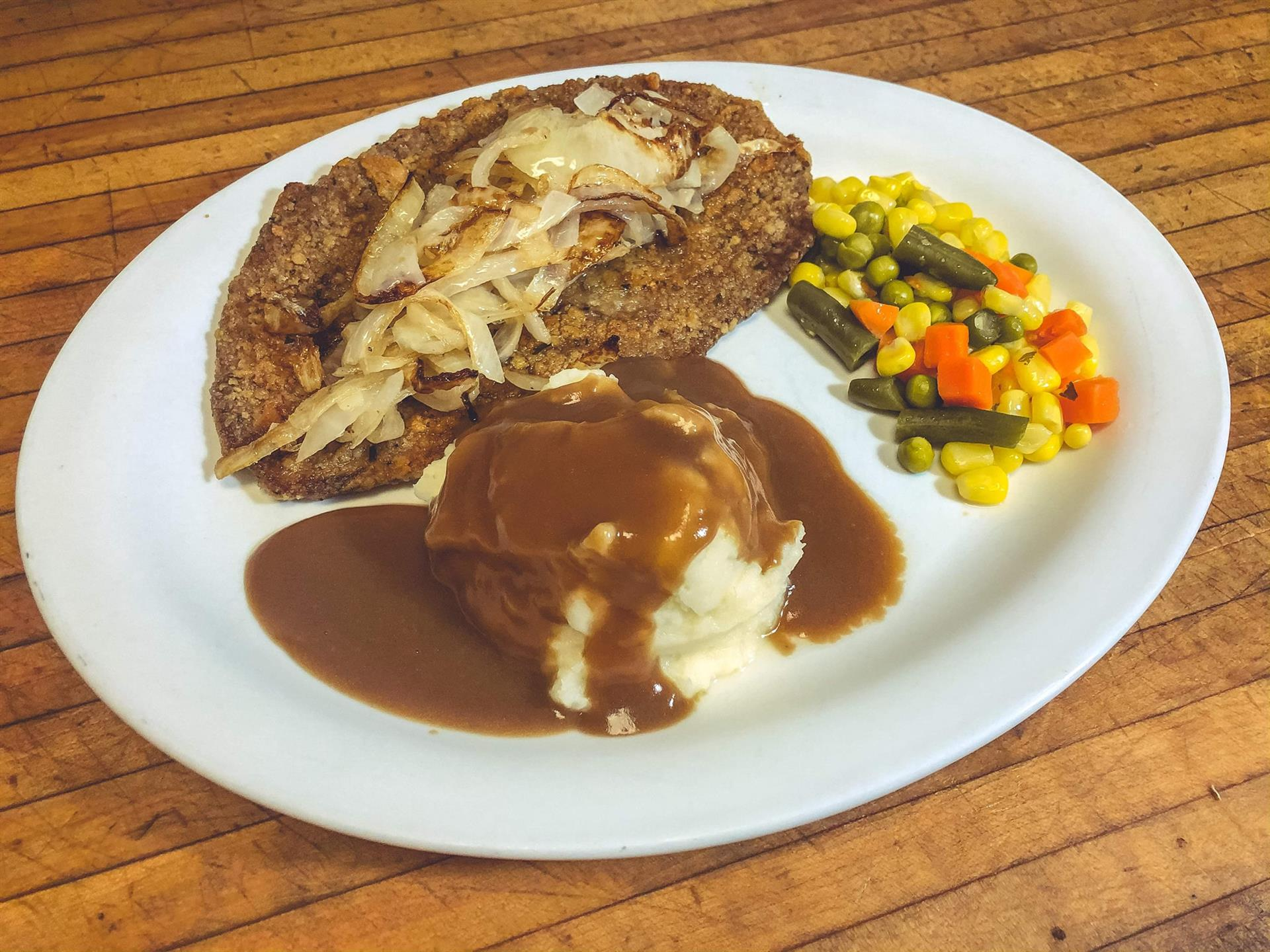 chicken with mashed potatos with mixed vegetables