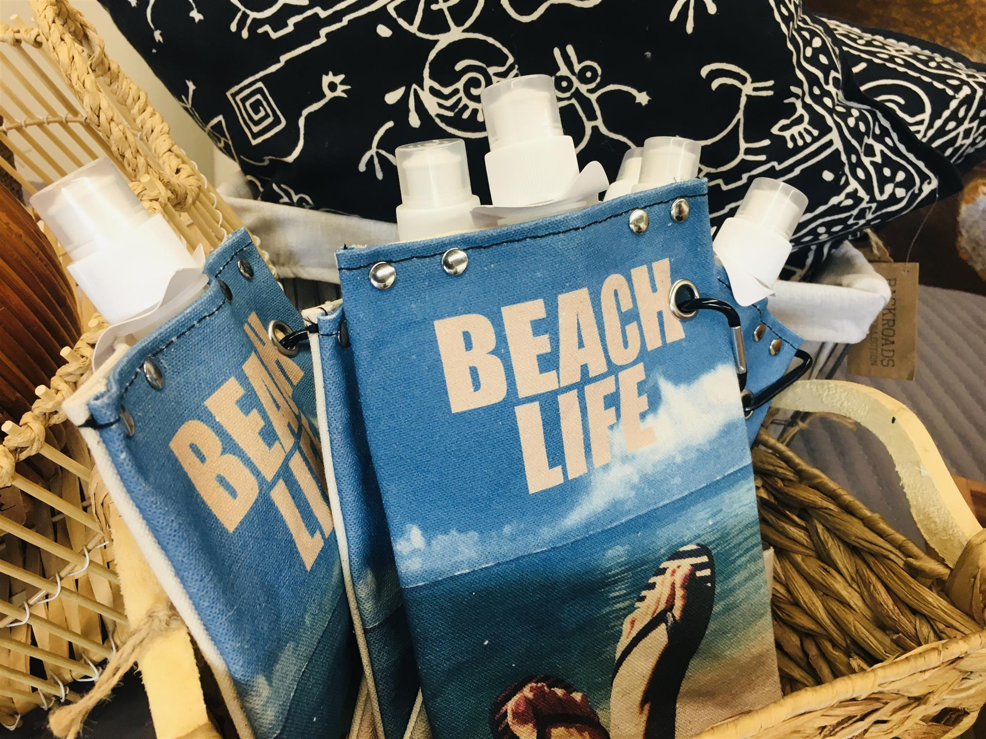 portable drinking flasks that say beach life