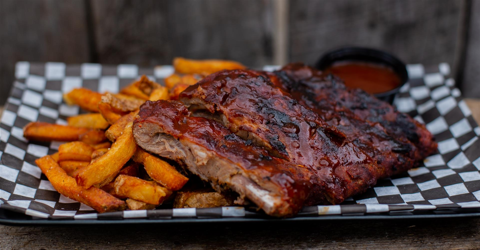 1/3 Rack of ribs with french fries