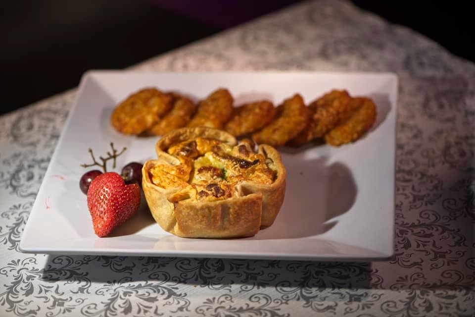 Fresh Baked Quiche with hashbrowns