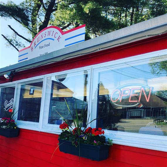 exterior of the brunswick diner